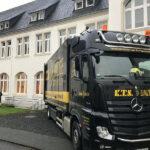 KTS Actros rangiert rückwärts an die St. Josef Schule in Bad Honnef