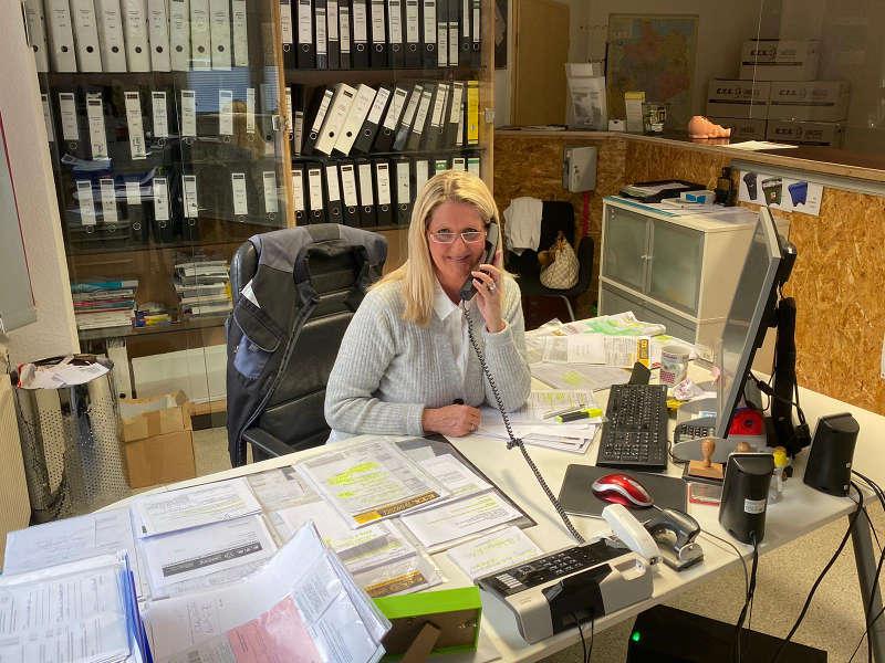 Frau Lange, Assistenz der Geschäftsführung