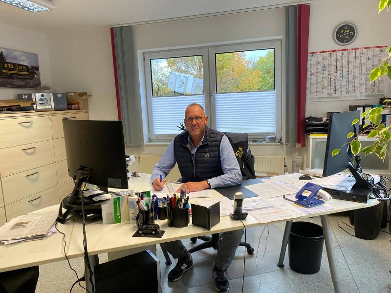 Herr Schmitz, Geschäftsführer bei KTS