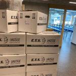 KTS noch mehr gestapelte Umzugskartons im Flur der St. Josef Schule in Bad Honnef