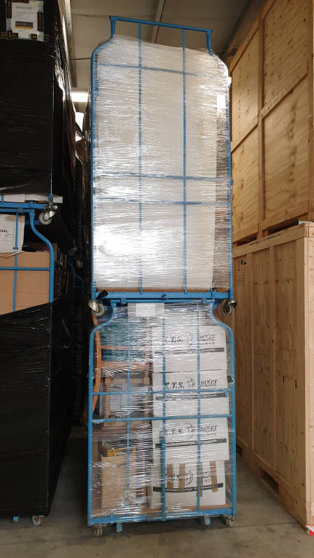 KTS Möbel-Corletten gestapelt - 5 Kubikmeter Ladevolumen